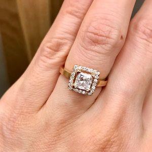 Jewelry - Custom made diamond engagement ring
